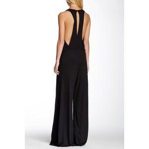 NWT Go Couture black keyhole jumpsuit, Sz. M